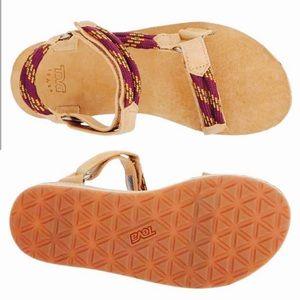 0350a1b4b977 Teva Shoes - NWT Teva Universal Leather  Rope Sandals